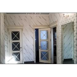Белые деревянные двери