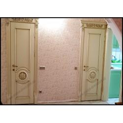 Белые межкомнатные двери с резьбой